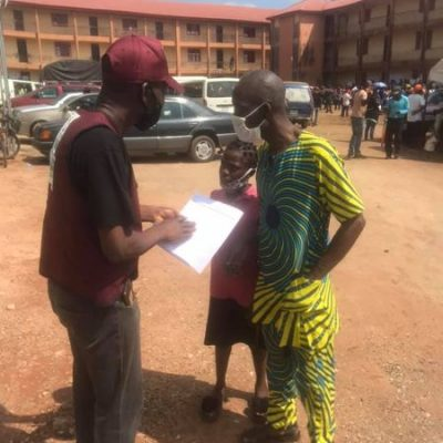 observer engaging voter
